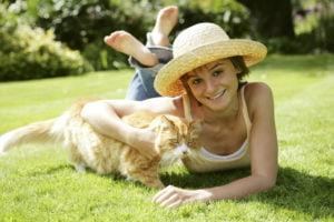Co zrobić, kiedy kot znaczy teren? Zalety kastracji i sterylizacji